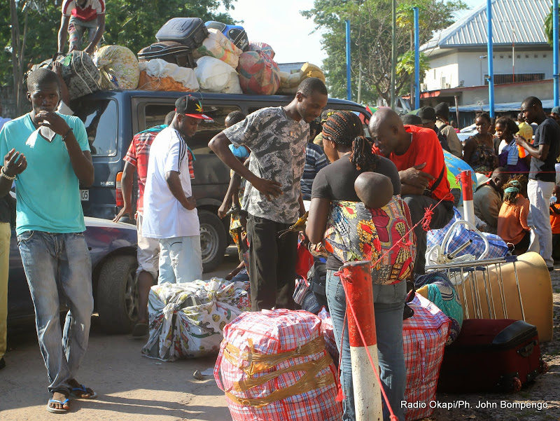 Image d'archive|Des familles refoulées de Brazzaville cherchant à rejoindre leurs proches