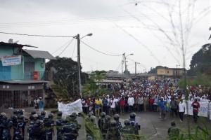 Manifestation interdite de l'opposition à Libreville, qui a donné lieu à des heurts avec les forces de l'ordre, le 20 décembre 2014|AFP