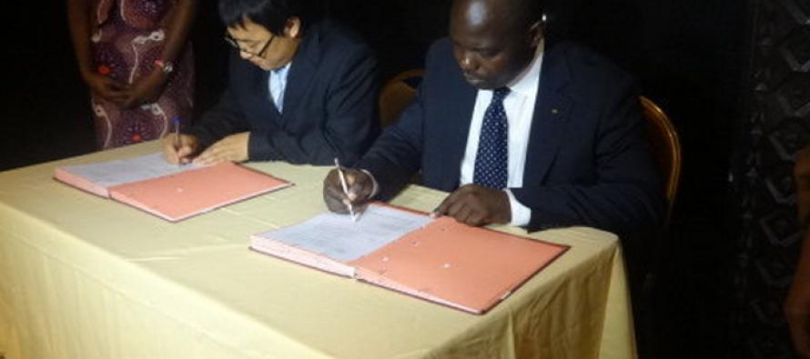 La société HUAWEI va interconnecter le Congo au Gabon par fibre optique