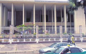 Congo : le tribunal de Dolisie refuse de faire prêter serment à 25 agents de l'économie forestière