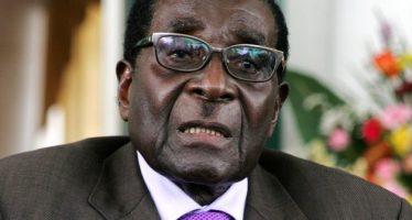 Robert Mugabe limoge la vice-présidente zimbabwéenne