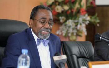 Sécurité aérienne: le ministre Adada appelle les différents acteurs à plus de responsabilité