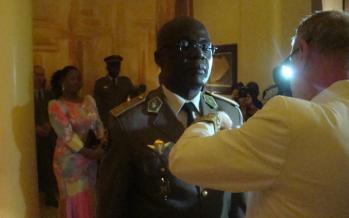Brazzaville: Le général Guy Blanchard Okoï élevé à la distinction d'officier de la Légion d'honneur