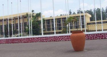 Brazzaville: séances d'interpellation du gouvernement au sénat puis à l'assemblée nationale