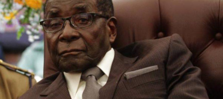 Le président «Robert Mugabe, très populaire»