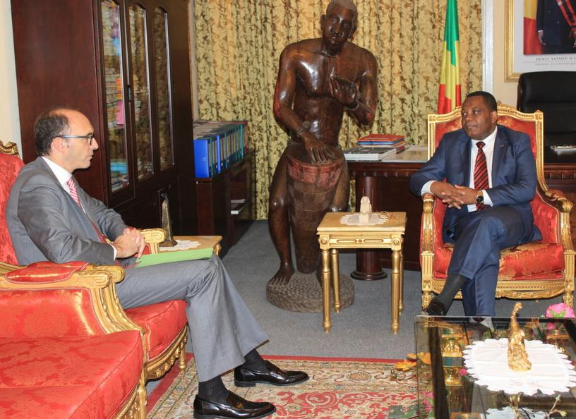 Le ministre congolais de la Culture et des arts, Jean Claude Gakosso, et l'ambassadeur de la Turquie en République du Congo, Can Incesu.