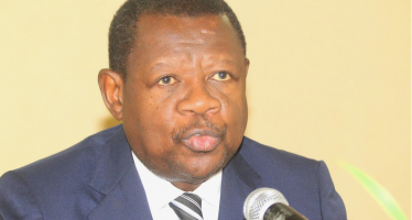 RDC : Bruxelles «reçoit» Lambert Mende malgré les sanctions européennes