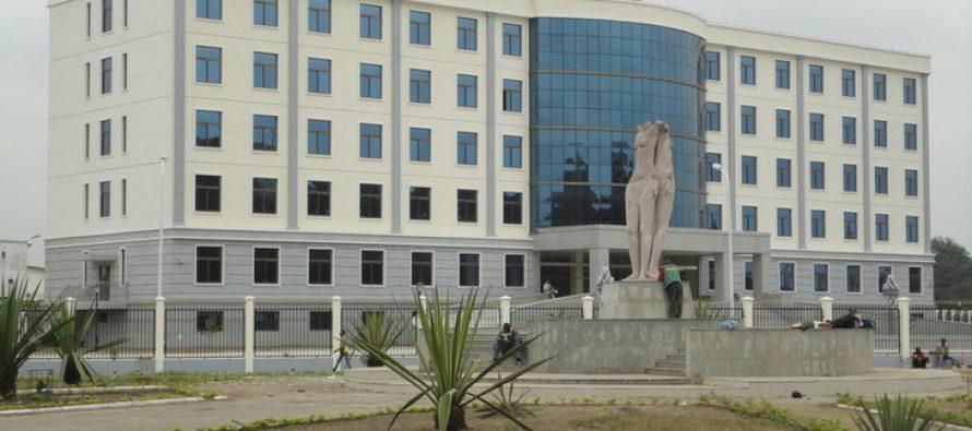 Brazzaville – Le jardin public de la préfecture dans l'insalubrité