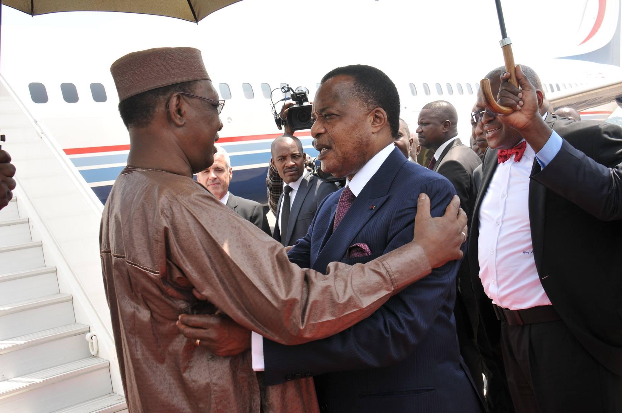 Sassou et Idriss Déby incinèrent 5 tonnes d'ivoire à Brazzaville