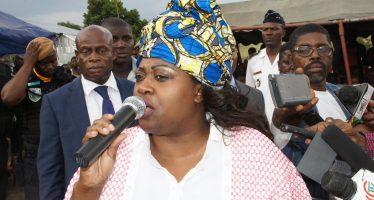 En images : Les peines des habitants de Ngamakosso-Montagne Wala-wala soulagées par Claudia Sassou