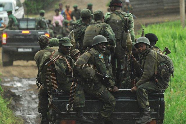 Des soldats de l'armée régulière de la  RDC