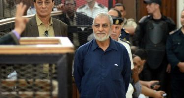 Egypte: le chef des Frères musulmans Mohamed Badie condamné à mort pour violence