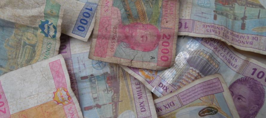 Congo – Monnaie : les vendeurs au marché invités à mieux conserver les billets de banque