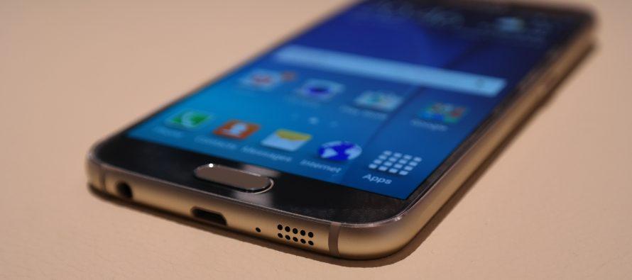 Samsung lance le Galaxy S6 vendredi pour contrer Apple