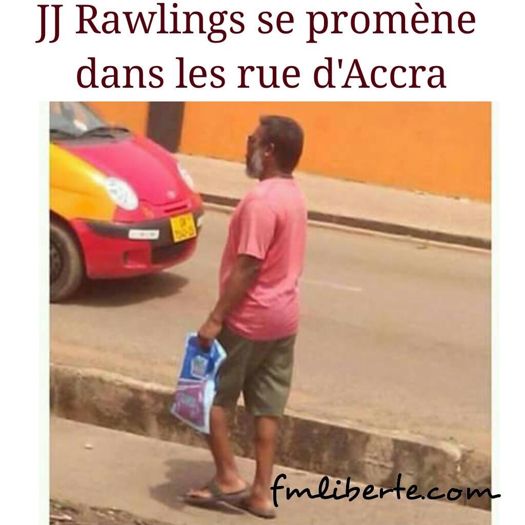 Jerry John Rawlings se balade librement dans les rues d'Accra