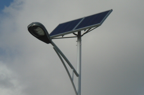 Des lampadaires solaires