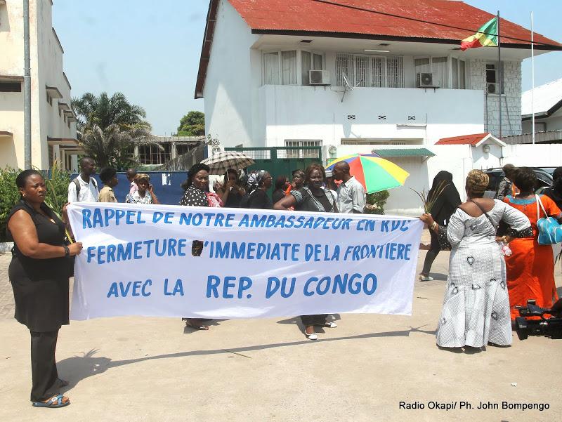 Un groupe des femmes congolaises de la RDC manifestant l
