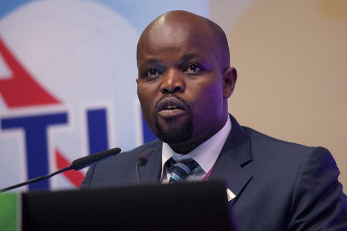 le ministre de la Jeunesse et de la TIC, Jean Philbert Nsengimana.