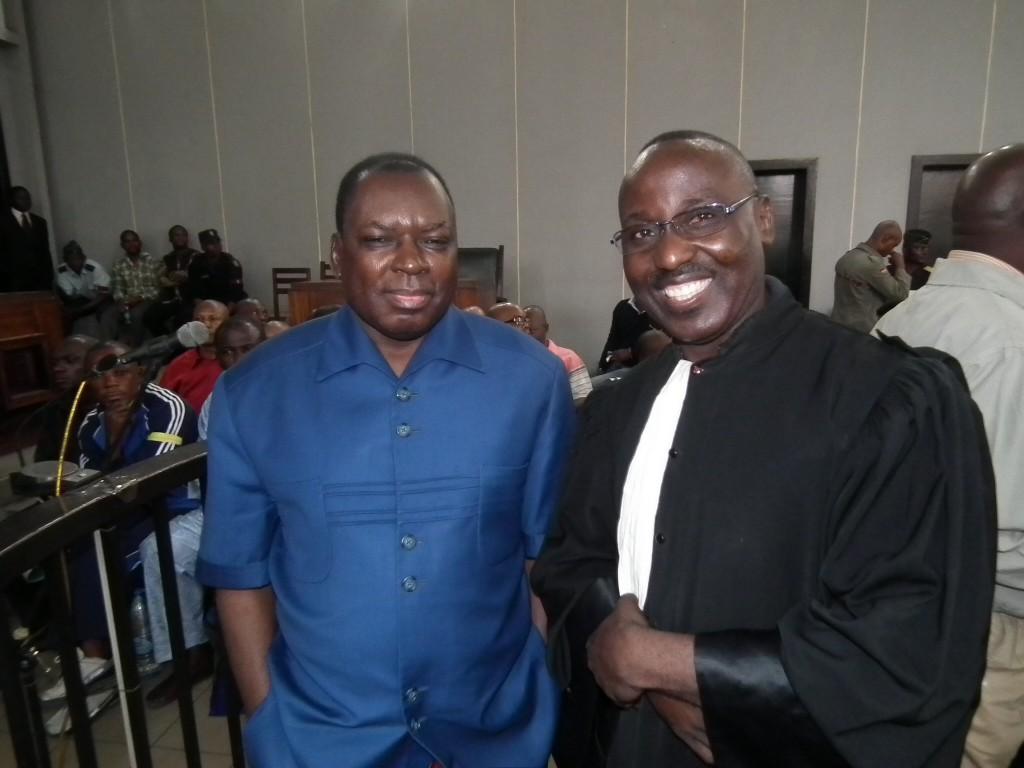 Le colonel Marcel Ntsourou et Me Amédée Bernard Nganga