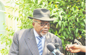 L'ancien ministre d'État, Martin Mberi