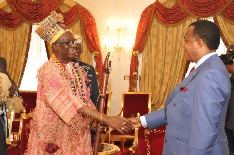 Sa Majesté, Moe Makosso IV, le Roi de Loango
