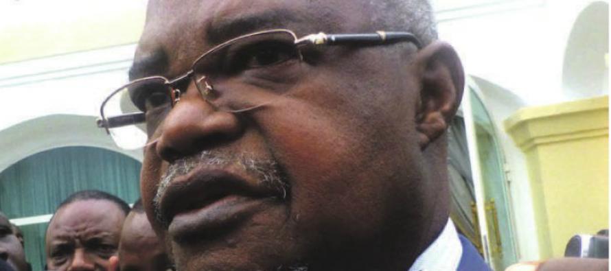 Consultations – Congo : Ange Edouard Poungui se prononce contre le changement de la Constitution