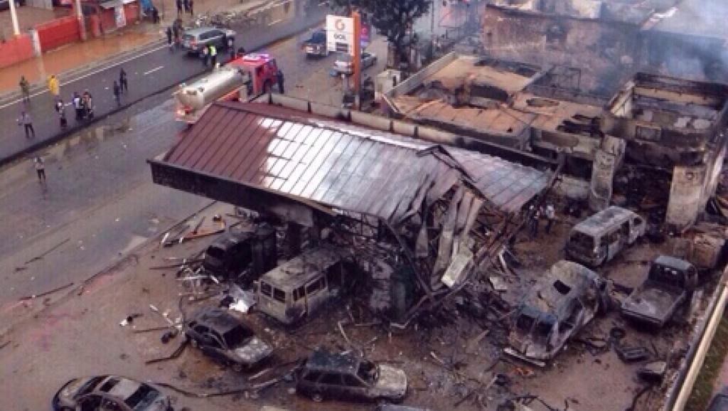 Au Ghana, près d'une centaine de personnes sont mortes dans l'incendie d'une station-service à Accra, le 3 juin 2015.