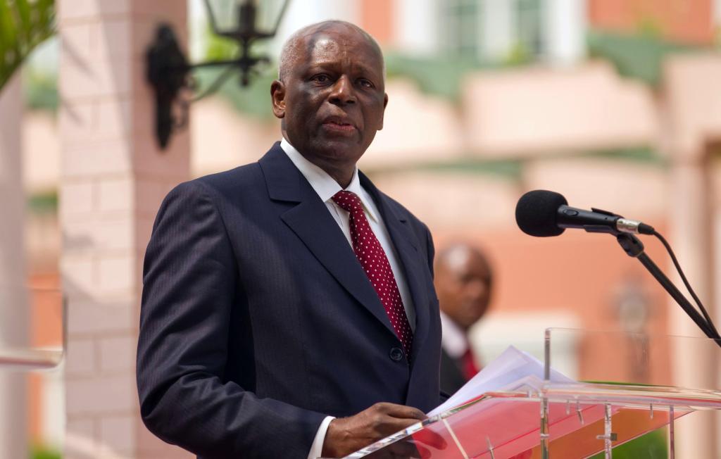 Le président angolais José Eduardo dos Santos