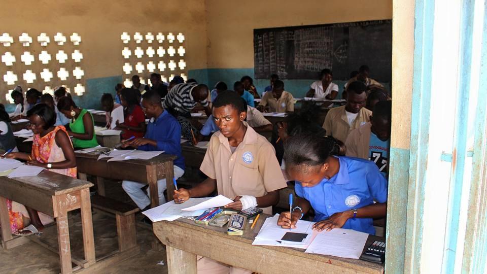 Les élèves en classe au Congo