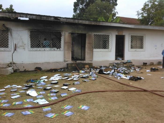 Pointe-Noire : le service des examens et concours incendié par les lycéens en colère