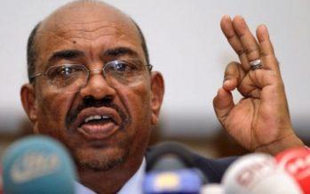 Le président soudanais, Omar el-Béchir, quitte Johannesburg pour Khartoum
