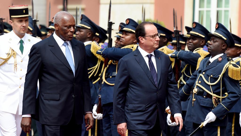 José Eduardo Dos Santos et  François Hollande,