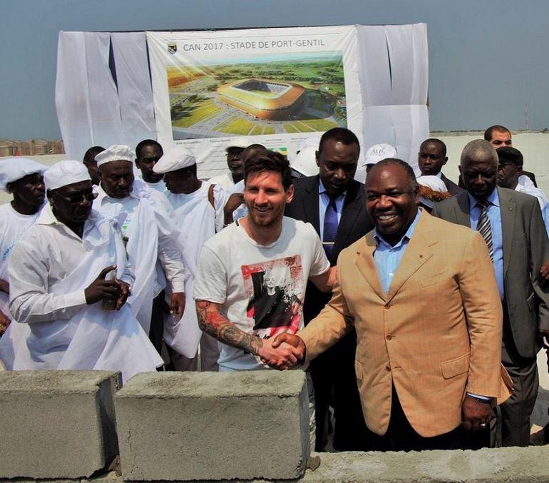Lionel Messi et le président Ali Bongo