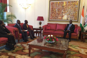 Le Président Alassane OUATTARA, a échangé, ce jeudi 09 juillet 2015, au Palais de la Présidence de la République, avec SEM Martin ADOUKI, Conseiller diplomatique
