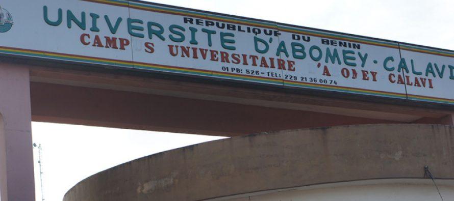 Bénin: Des enseignants d'université demandent un permis de port d'armes collectif