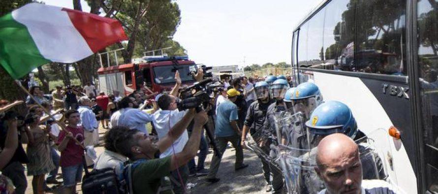 Italie : un quartier de Rome se révolte contre la venue d'immigrés