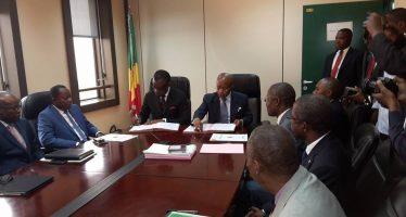 Le ministre, Alain Akouala passe le témoin à Martin Parfait Aimé Coussoud Mavoungou