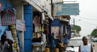 Brazzaville : Les commerAi??ants appelAi??s Ai?? embellir leurs boutiques avant le 15 aoAi??t 2015