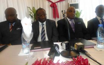 VIDÉO – d'anciens ministres de Sassou prônent « un avenir du pays sans arme »