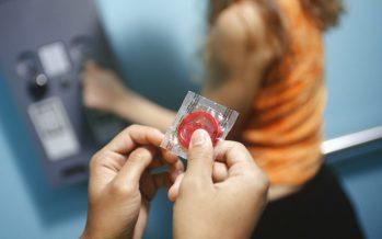 Russie: Poutine ajoute les préservatifs à la liste des produits interdits à l'importation