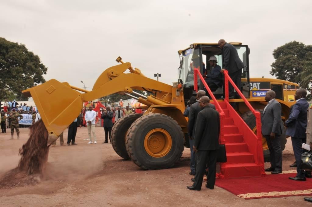 Le président congolais Denis Sassou N'Guesso a donné le coup d'envoi, jeudi à Brazzaville, des travaux de la construction du deuxième tronçon de la corniche