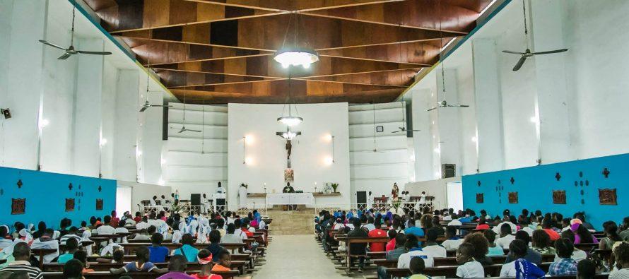 La méditation des chrétiens de la paroisse Ndona-Marie perturbée par des nuisances sonores