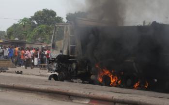 4 véhicules de la société brésilienne calcinés et une femme tuée à Bacongo