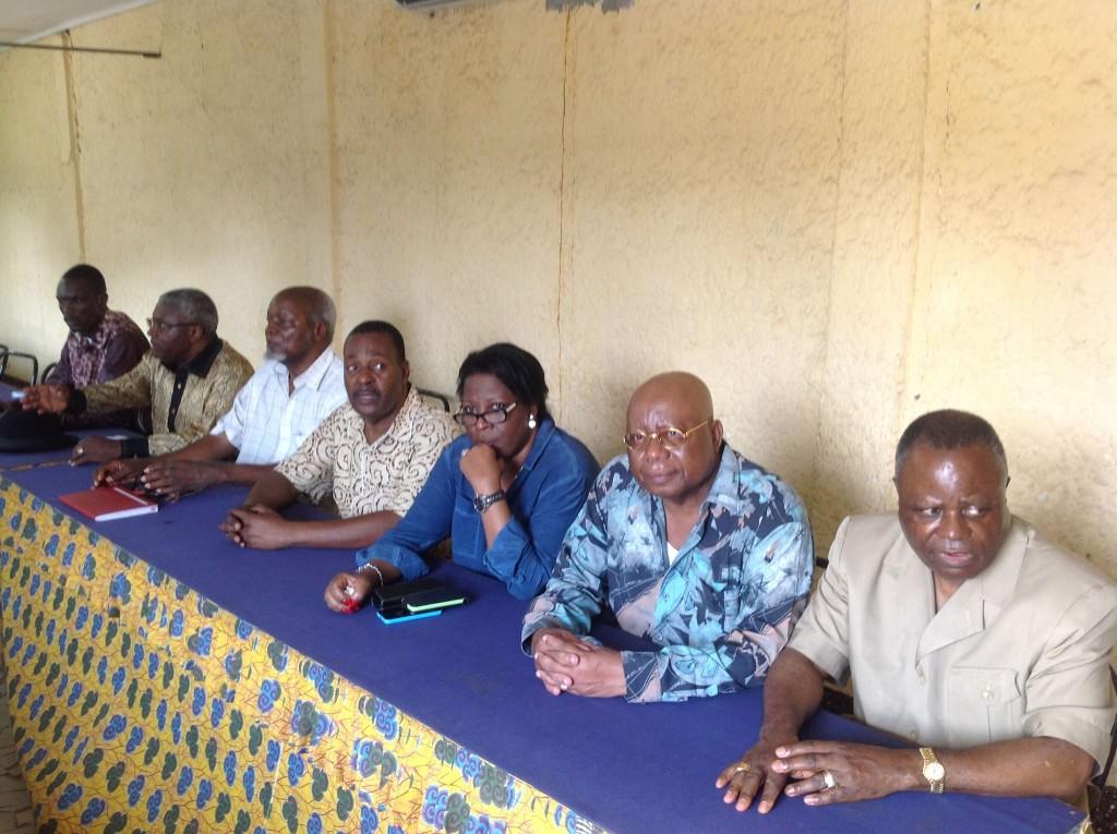 C'était devant Mathias Dzon, Pascal Tsaty Mabiala, Claudine Munari, Rigobert Ngouolali, Jean Itadi.