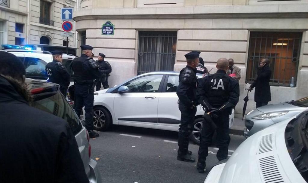 Les forces de l'ordre françaises ont procédé à « une vingtaine d'interpellations suite à des dégradations dans l'ambassade du Congo-Brazzaville » à Paris.
