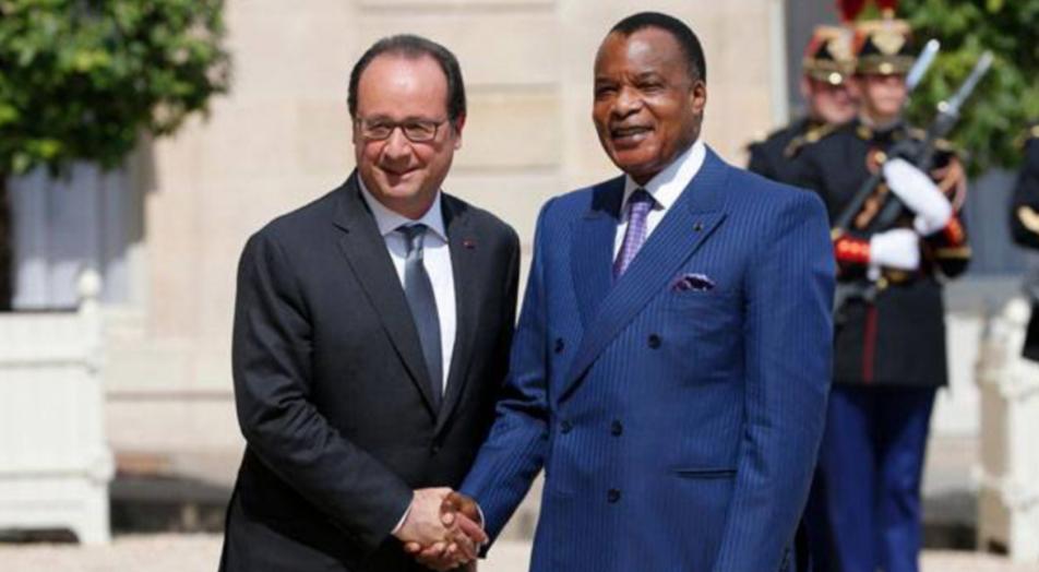 François Hollande va certainement abordé la question de la Constitution avec le président Denis Sassou-Nguesso © REUTERS/Pascal Rossignol