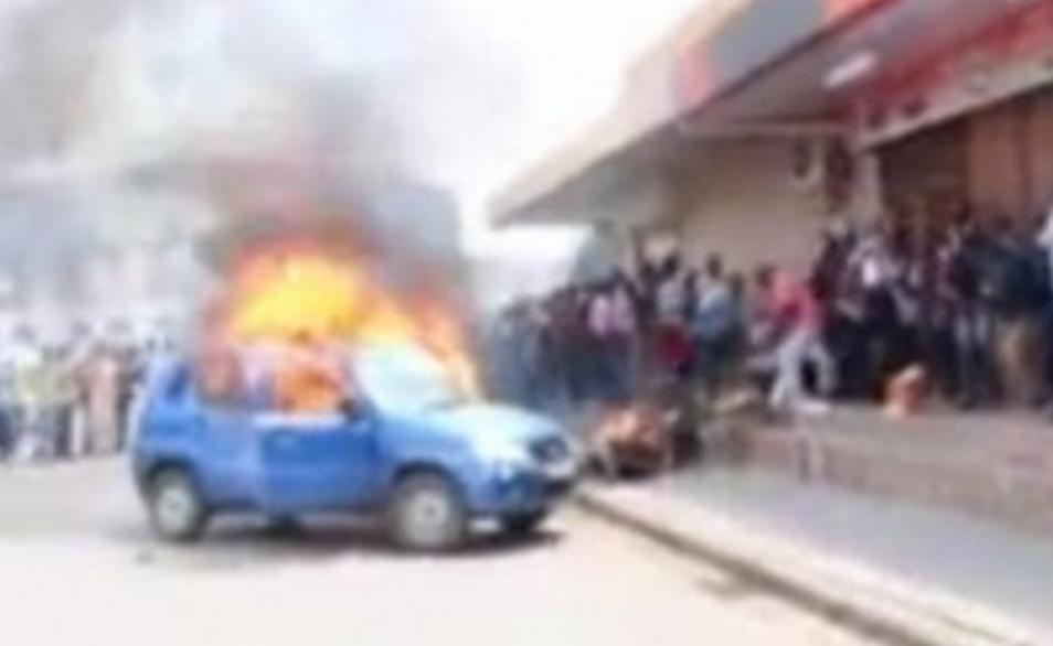 un taximan s'immole à cause des tracasseries policières