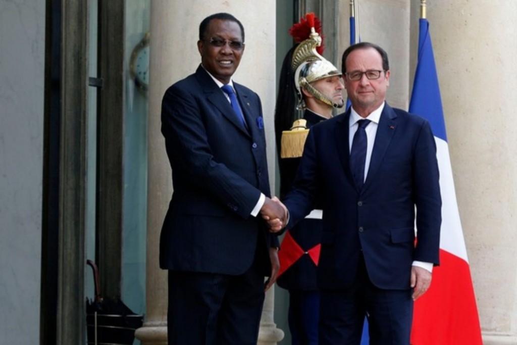 Le président tchadien Idriss Déby est reçu à l'Elysée par François Hollande