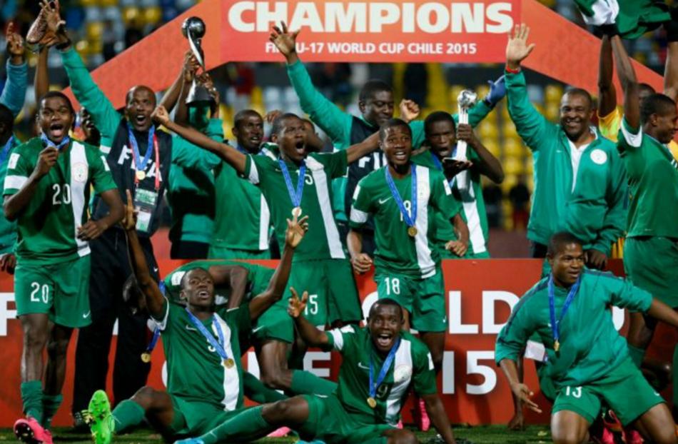 Les jeunes nigerians sacrés champions du monde des -17 ans, à l'issue de leur victoire sur le Mali, le 8 novembre 2015 à Viña del Mar au Chili|AFP