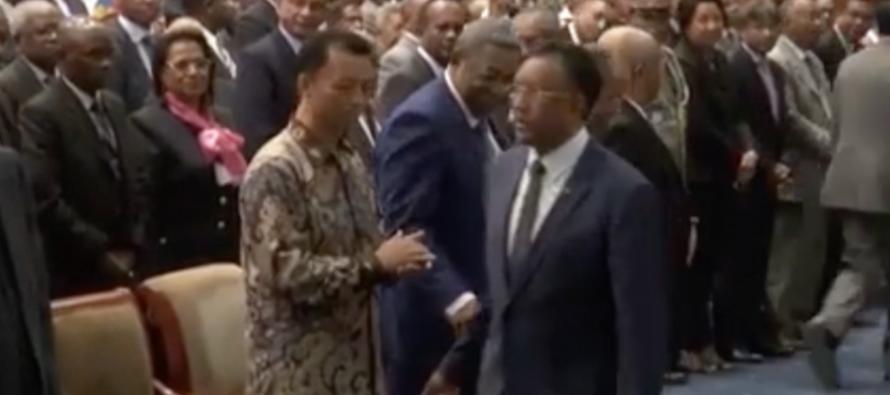 Le Président Rajaonarimampianina refuse de serrer la main de l'ex-président Ravalomanana